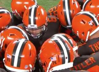 Cleveland Browns Huddle