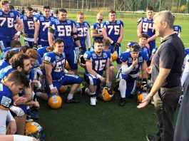 Graz Giants Huddle