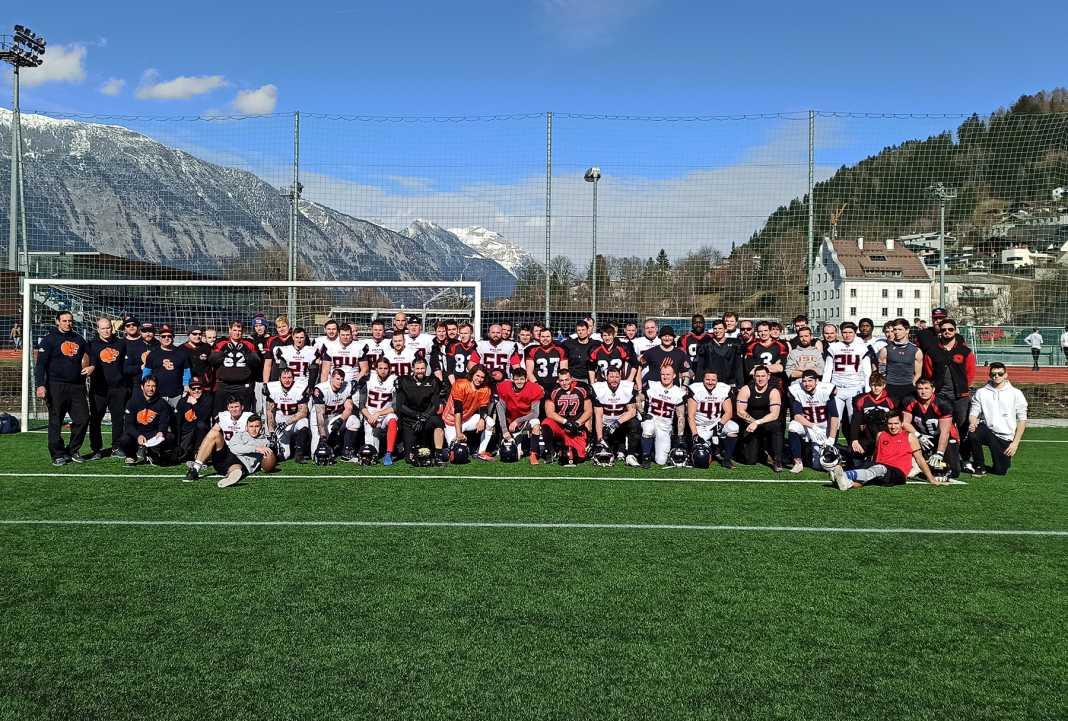 Schwaz Hammers und St. Gallen Bears (Schweiz) nach dem gemeinsamen Trainingswochenende