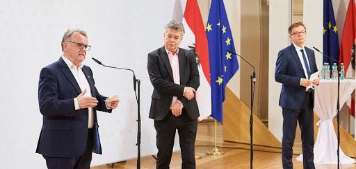Sport-Austria-Präsident Hans Niessl beim Sport-Gipfel
