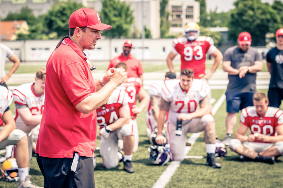 Head Coach Max Sommer