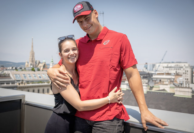 Bernhard Seikovits mit Freundin Lena